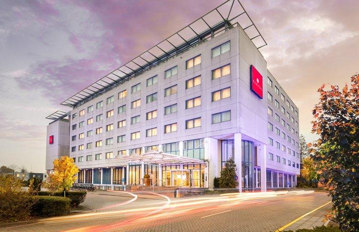Hotels Bij Schiphol, Kun Je Deze Combineren Samen Met Parkeren?